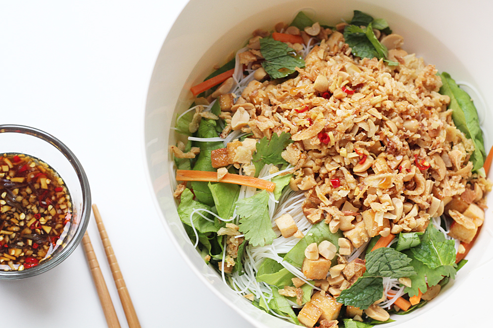Bún Chay – Vietnamese Rice Noodle Salad With Fresh Herbs ...