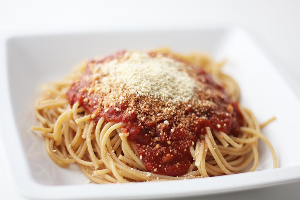 Veganer geriebener Parmesan