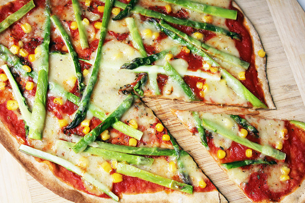 Green Asparagus Pizza