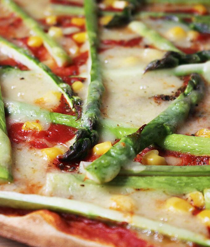 Grüner Spargel Pizza