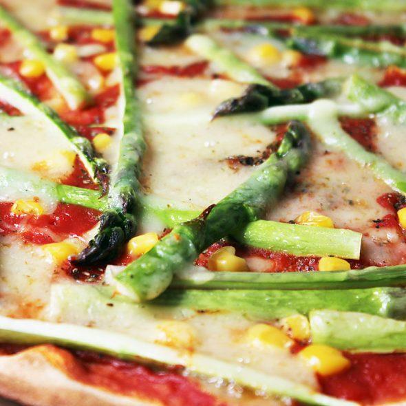 Grüner Spargel Pizza Cover