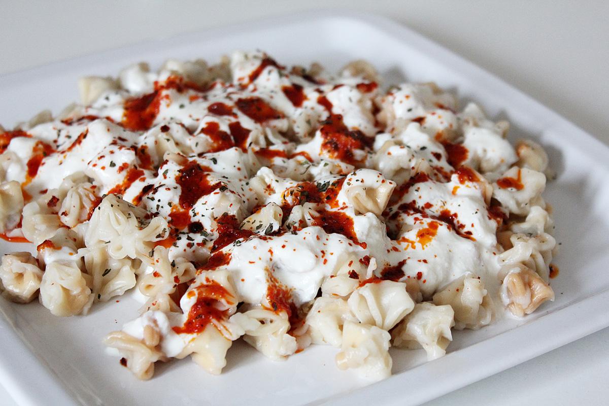 Vegane Manti mit Joghurtsauce