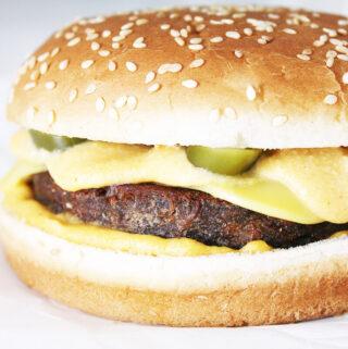 Chili Cheese Burger (Vegan)