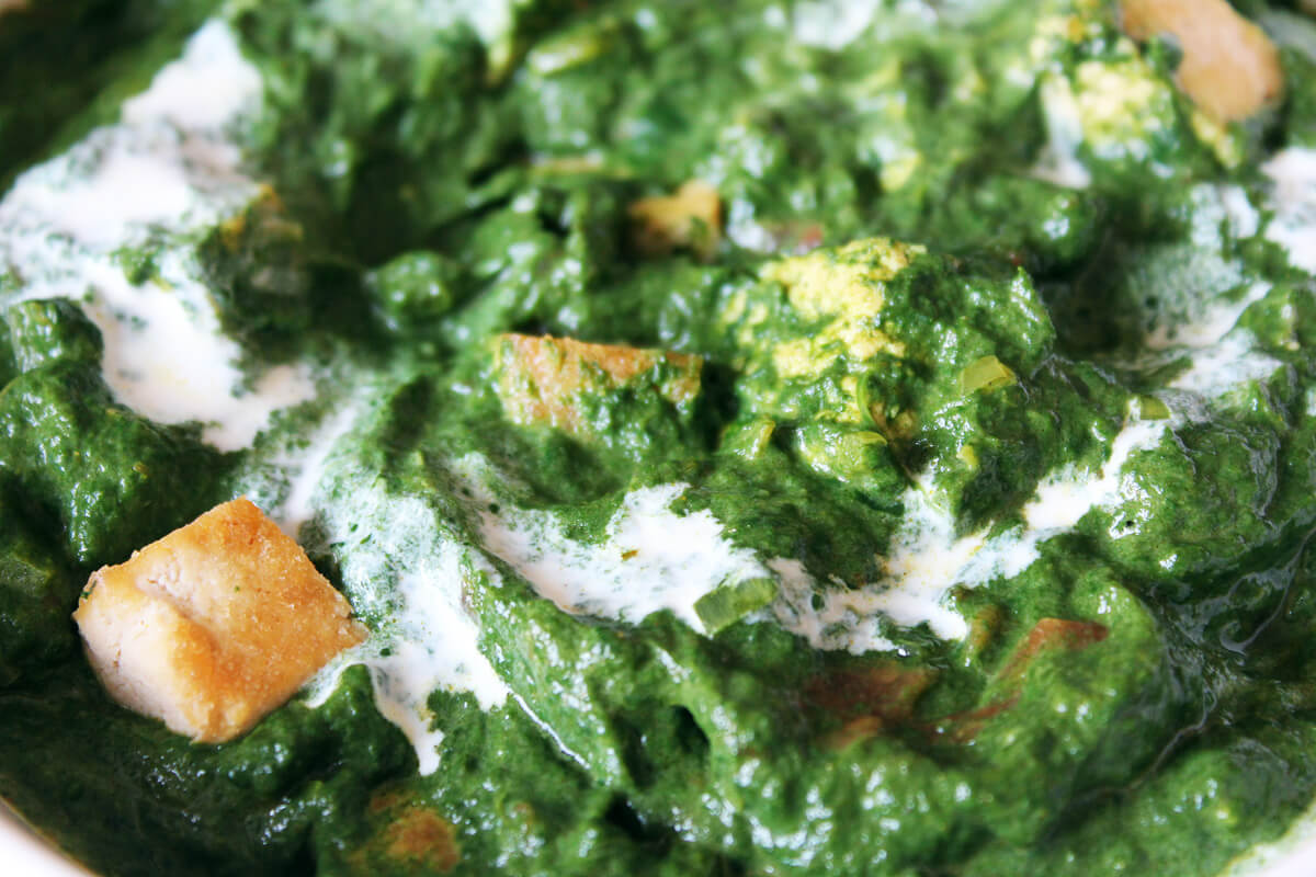 Palak Tofu – Indisches Spinatcurry mit Tofu