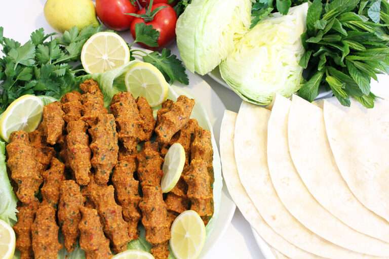 Çiğ Koefte – Vegan Turkish Finger Food