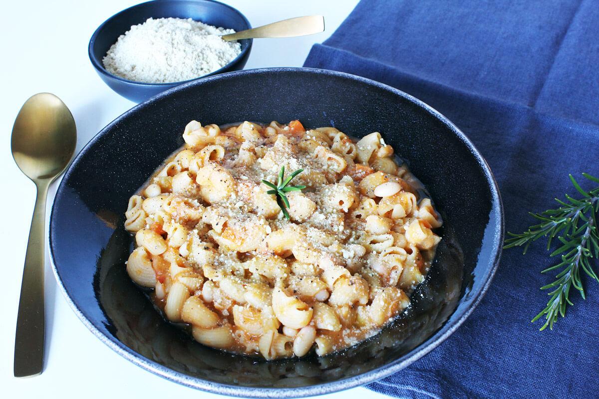 Pasta e Fagioli – Veganer Nudel-Bohnen-Eintopf