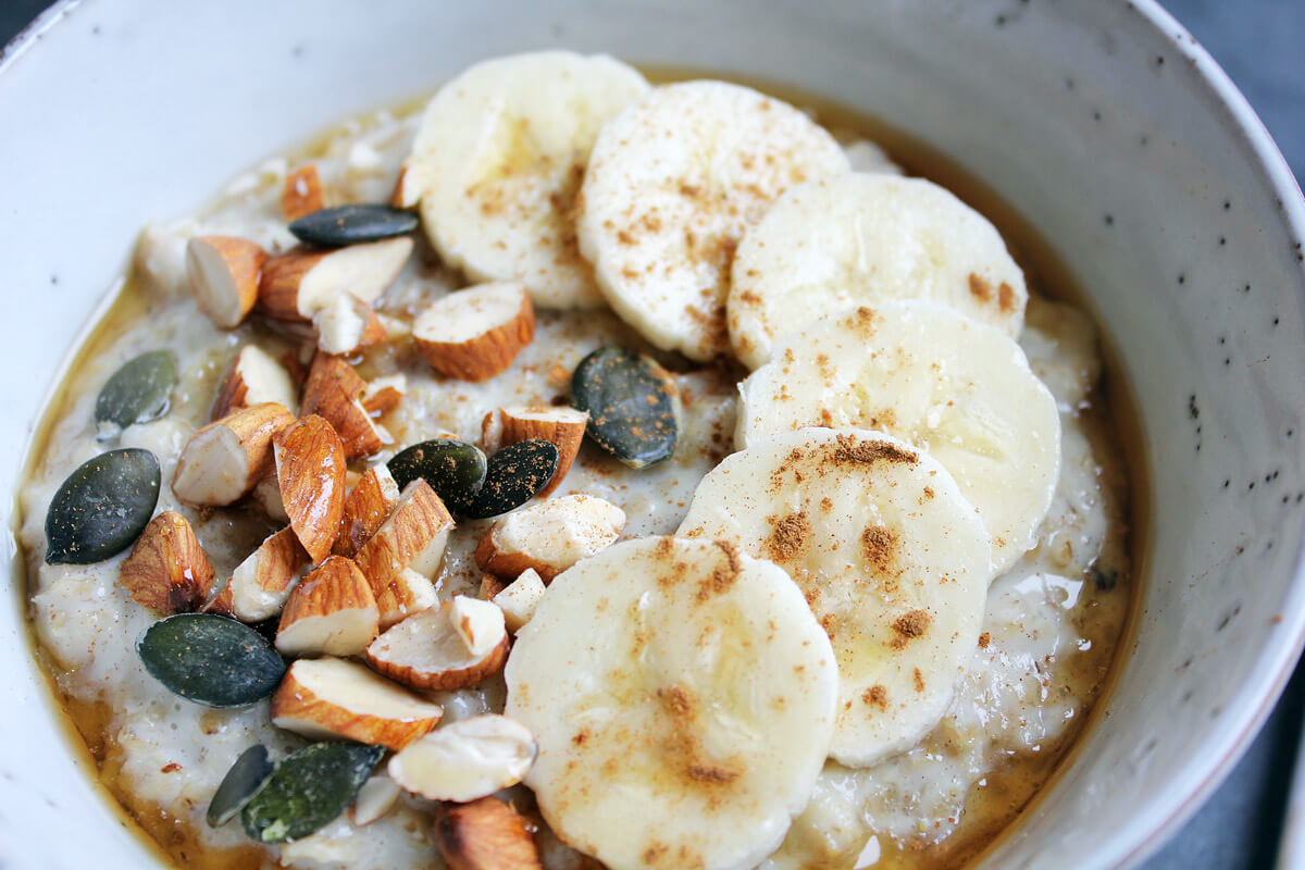 Porridge with Banana, Almonds and Sunflower Seeds