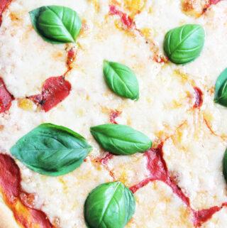 Veganer Mozzarella zum Überbacken