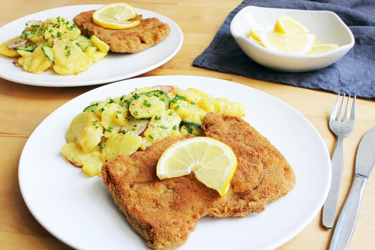 Veganes Schnitzel mit Kartoffelsalat