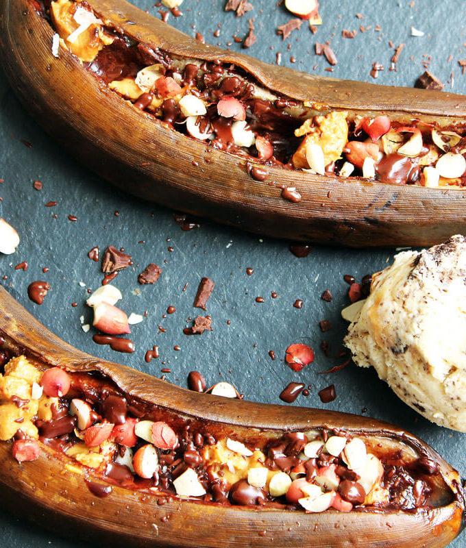 Gegrillte Banane mit Erdnuss & Schokolade