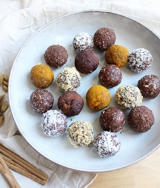 Energy Balls With Dates
