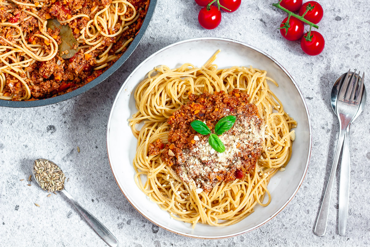 Vegan Spaghetti with Ragù di Salsiccia