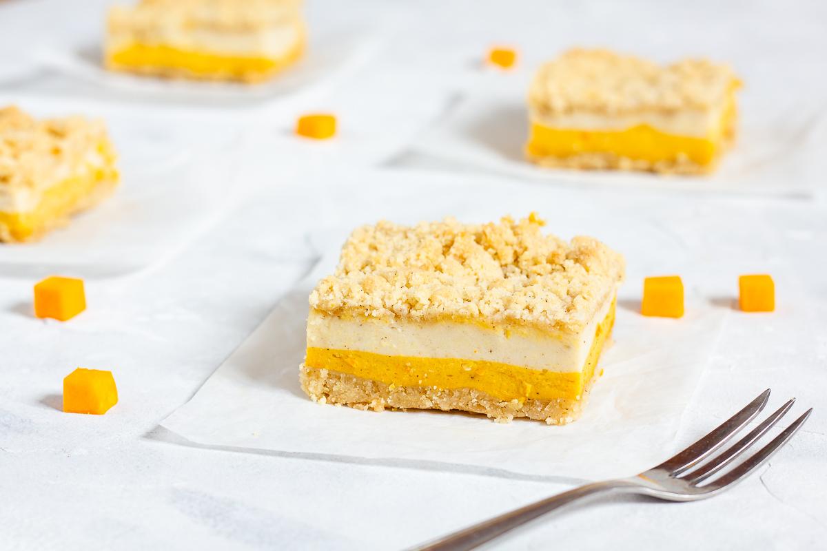 Vegane Kürbis-Cheesecake-Bars