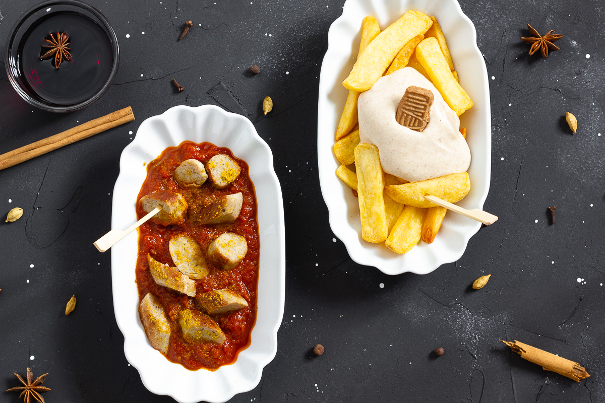 Wintry Currywurst with Mulled Wine Sauce (Vegan)