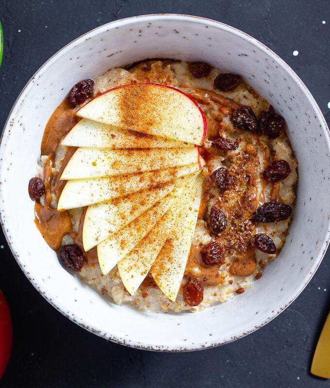 Blitz-Porridge mit Apfel, Zimt & Mandel