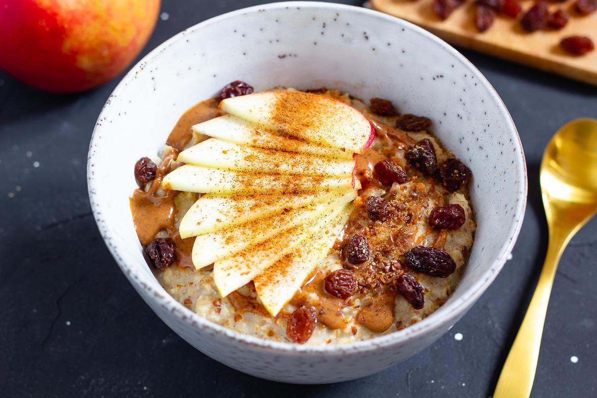 Super Quick Porridge with Apple, Cinnamon & Almond