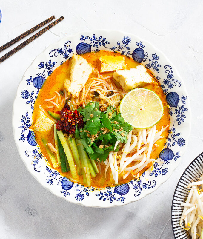 Vegane Curry Laksa - Malaysische Nudelsuppe