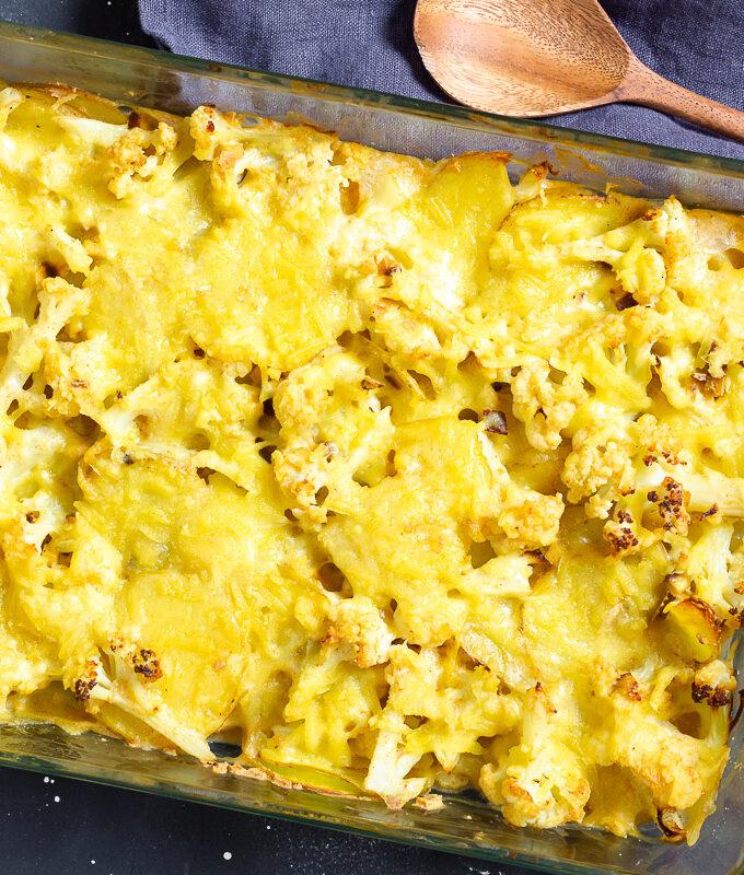 Veganer Blumenkohlauflauf mit Kartoffeln